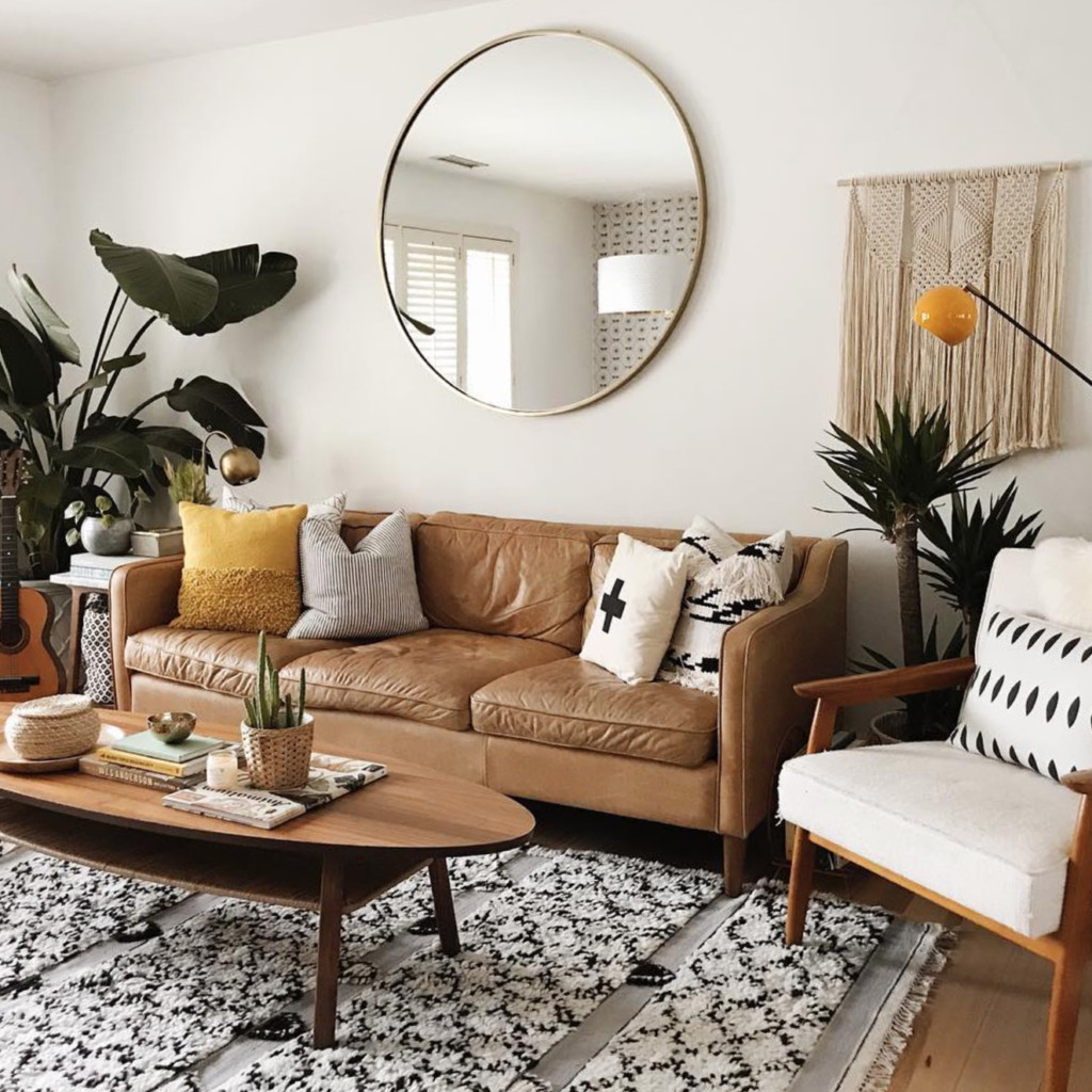 Apartment Living Room Decorating Awesome 7 Apartment Decorating and Small Living Room Ideas