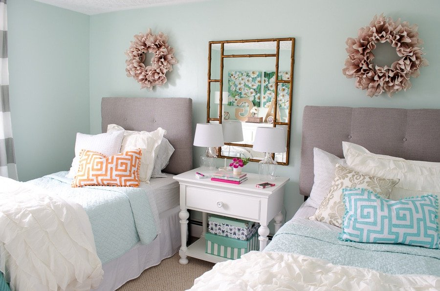 Bedroom Decor for Teenage Girl Awesome Girl Bedroom Makeover Resource List Four Generations E Roof