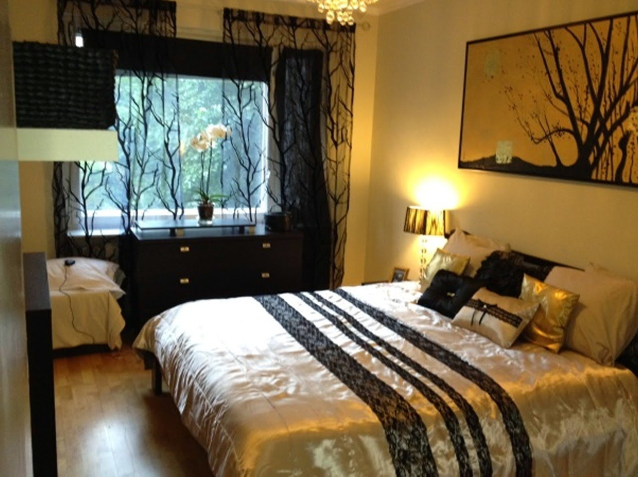 Black and Gold Bedroom Decor Best Of Jazzy S Interior Decorating Gold Black and White Bedrooms