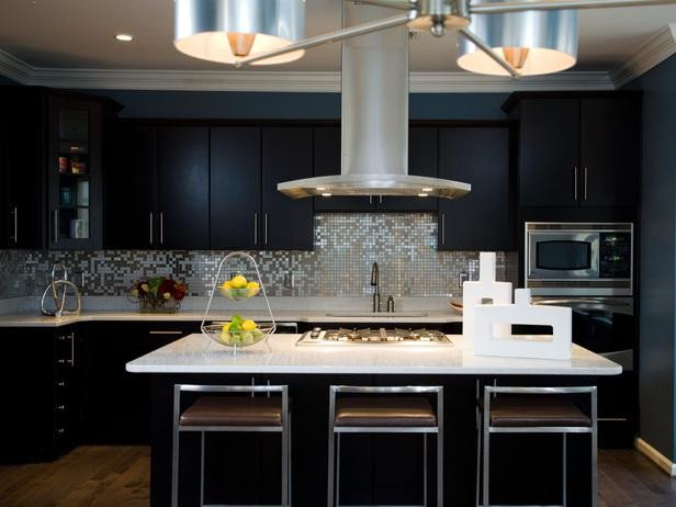 Black and Silver Kitchen Decor Luxury Black Contemporary Kitchen with Stainless Steel Mosaic Backsplash