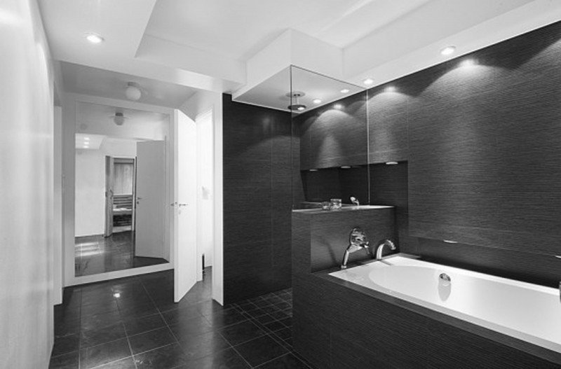 Black and White Bathroom Decor Awesome 20 Modern Bathrooms with Black Shower Tile