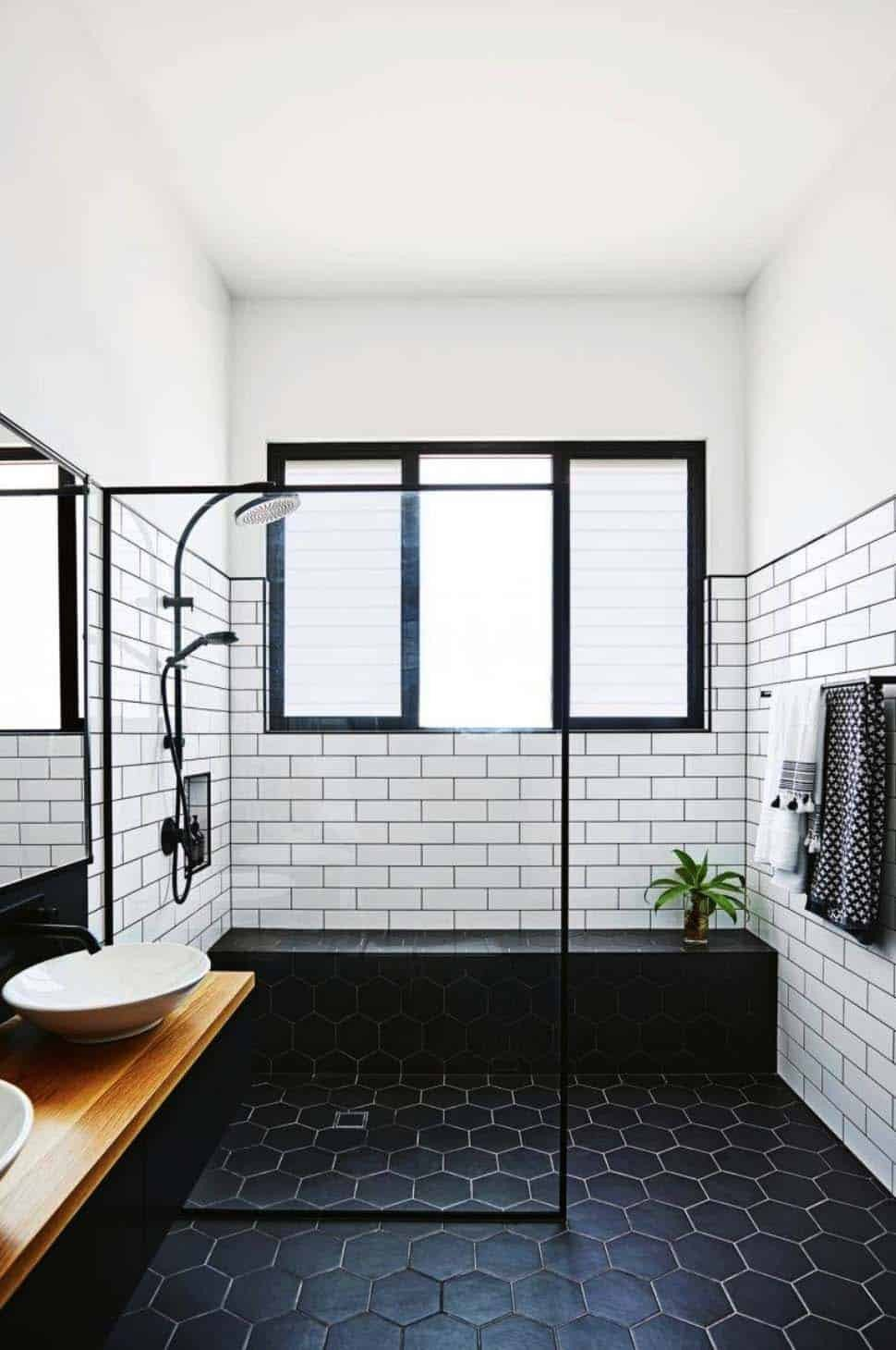 Black and White Bathroom Decor Lovely 25 Incredibly Stylish Black and White Bathroom Ideas to Inspire