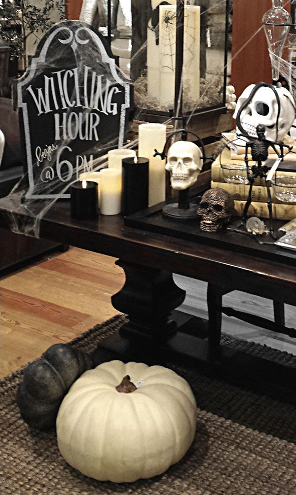 Black and White Halloween Decor Awesome 31 Ideas for Stylish Black & White Halloween Decorations