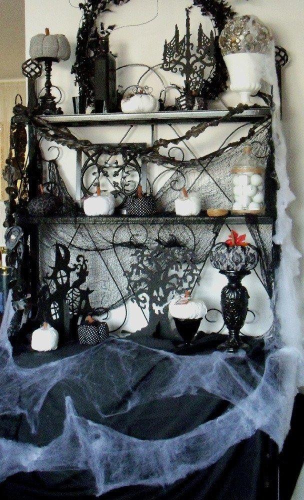 Black and White Halloween Decor Elegant 31 Ideas for Stylish Black & White Halloween Decorations