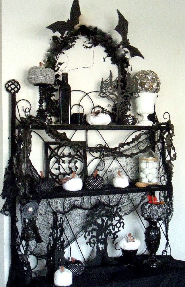 Black and White Halloween Decor Inspirational Make the Best Of Things Black and White Halloween Decor