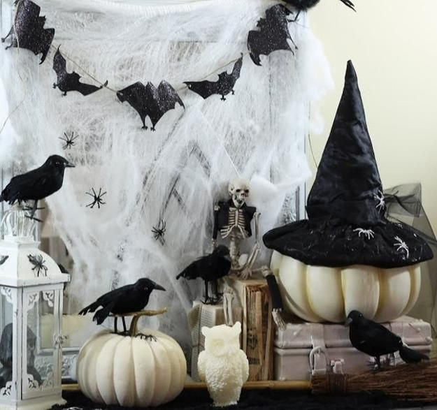 Black and White Halloween Decor Lovely 31 Ideas for Stylish Black & White Halloween Decorations