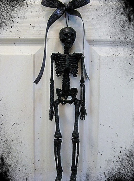 Black and White Halloween Decor Unique 31 Ideas for Stylish Black & White Halloween Decorations