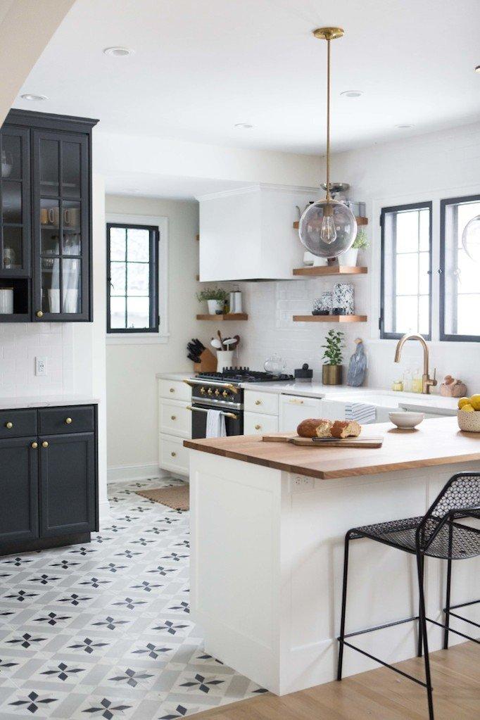 Black and White Kitchen Decor New Charming Black White and Brass Kitchen Renovation