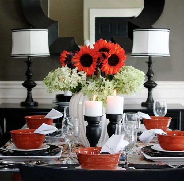 Black and White Table Decor Elegant Black and White Thanksgiving Decor Ideas
