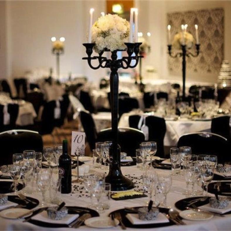 Black and White Table Decor Luxury Black and White Wedding Amanda Douglas events