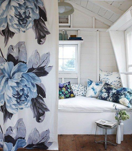 Blue and White Decor Ideas Beautiful Decorating with Style Blue and White Cottage Decorating Home Decorating Ideas