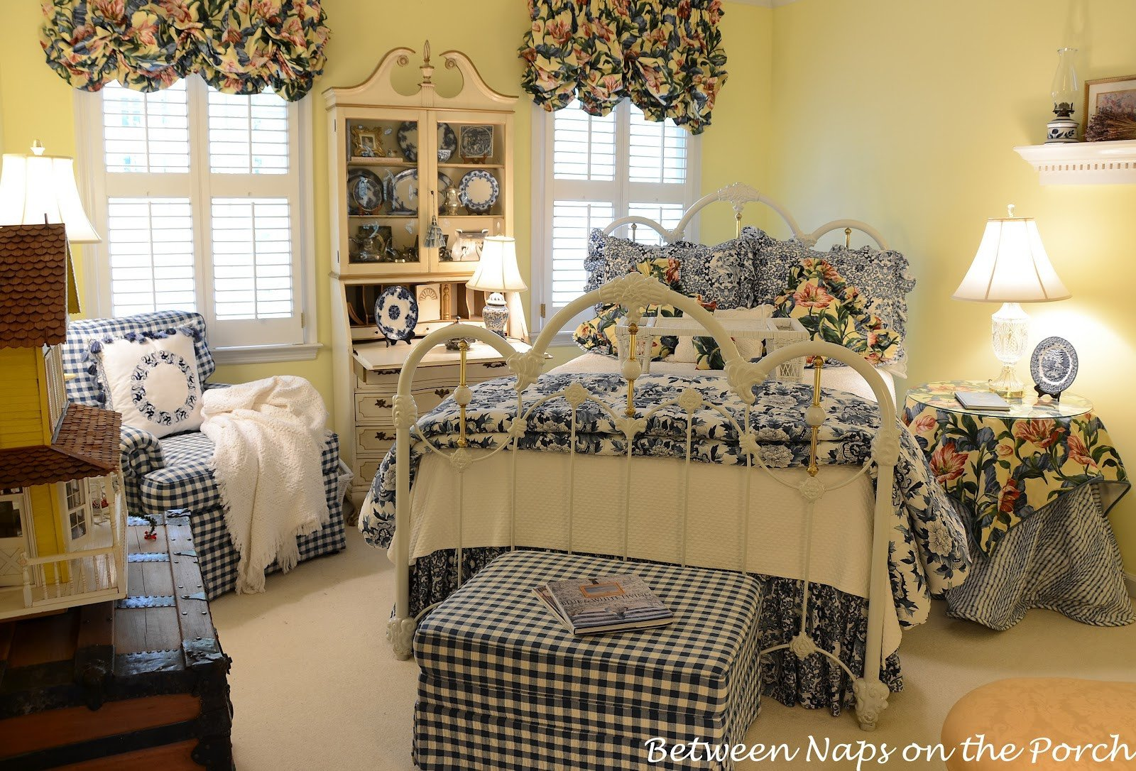 Blue and White Decor Ideas Best Of Decoupage A Pumpkin to Coordinate with A Room S Design or Deccor Country Living Knock Off