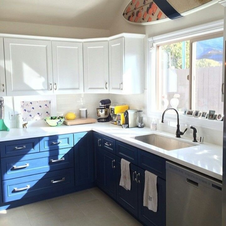 Blue and White Kitchen Decor Awesome 20 Kitchens with Stylish Two tone Cabinets
