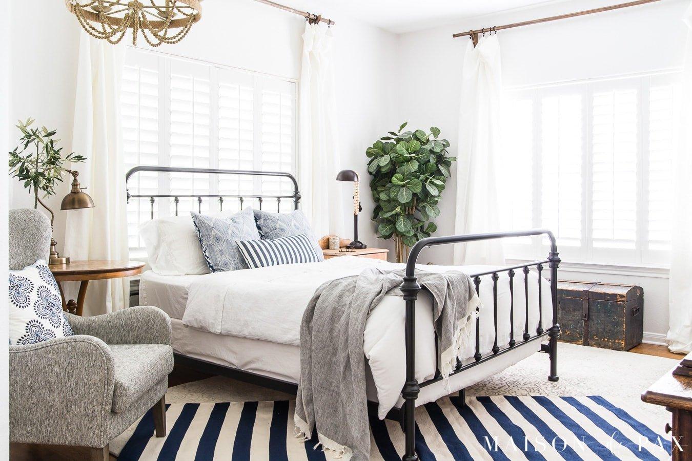 Blue and White Room Decor Unique Blue and White Bedroom Ideas for Summer Maison De Pax