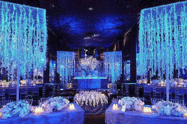 Blue and White Wedding Decor Inspirational Winter Wedding