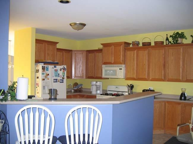 Blue and Yellow Kitchen Decor Elegant Kitchen Color Floors Countertops Paint Cabinets Home Interior Design and Decorating