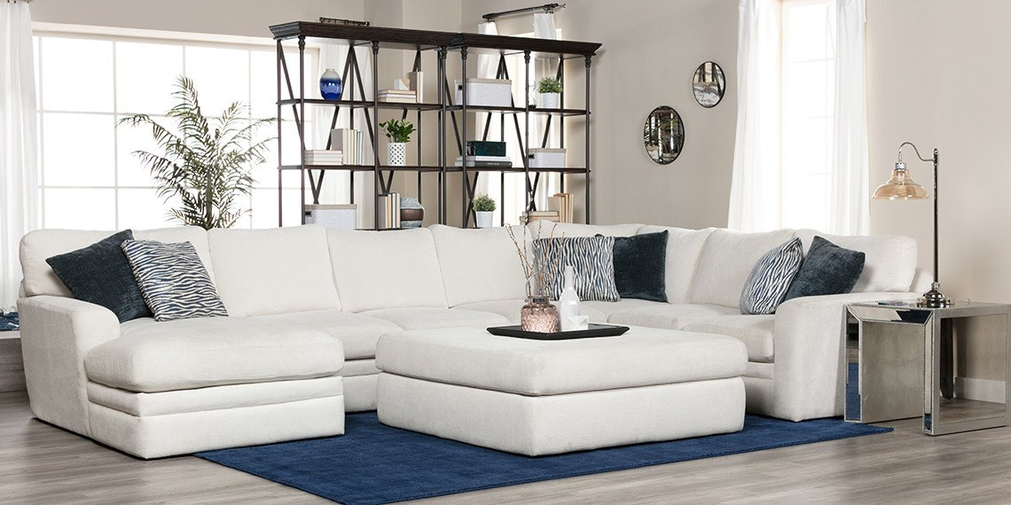 Casual Contemporary Living Room Lovely Transitional Living Room with Glamour Ii sofa