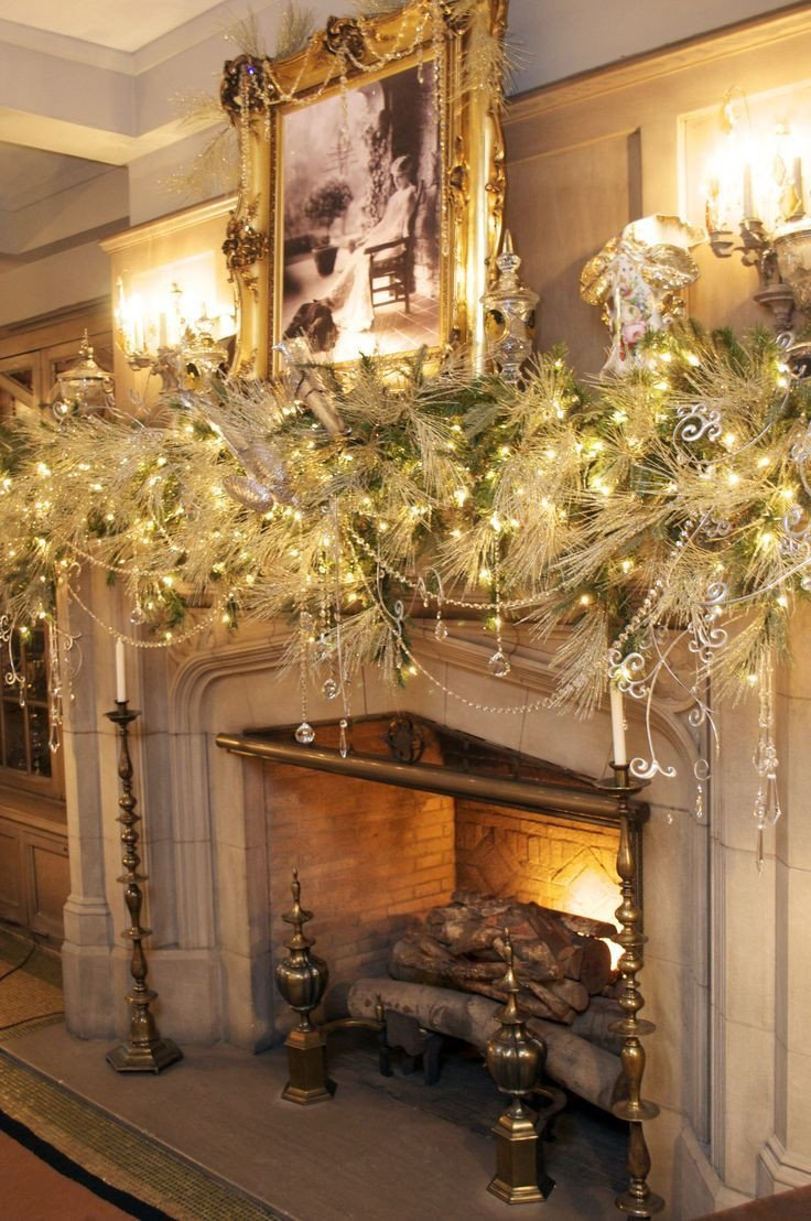 Christmas Decor for Fireplace Mantels Luxury 11 Christmas Home Decorating Styles 70 Pics Decoholic