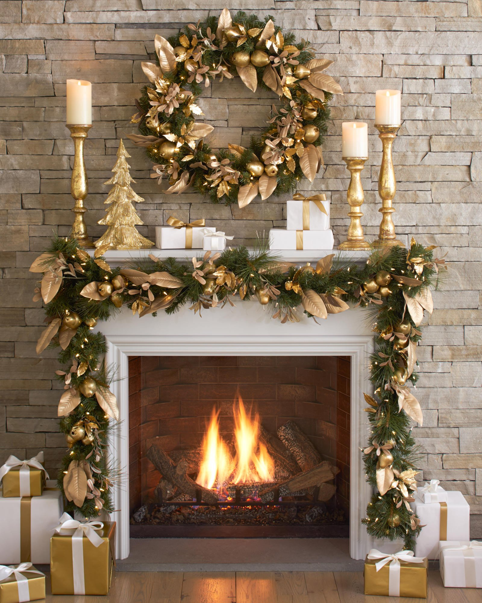 Christmas Decor for Fireplace Mantels Unique 50 Christmas Mantles for some Serious Decorating Inspiration