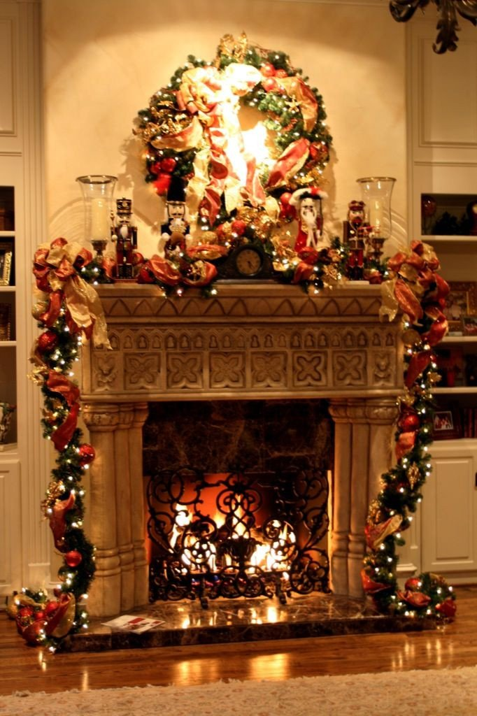 Celebrate the Joyful Christmas Moments in Your Home with Wel ing Christmas Decorations for