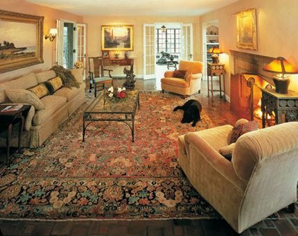 Comfortable Classic Living Room Beautiful oriental Rug Room Settings Gallery Elegant yet Cozy the Antique Sarouk Rug Fits Perfectly In