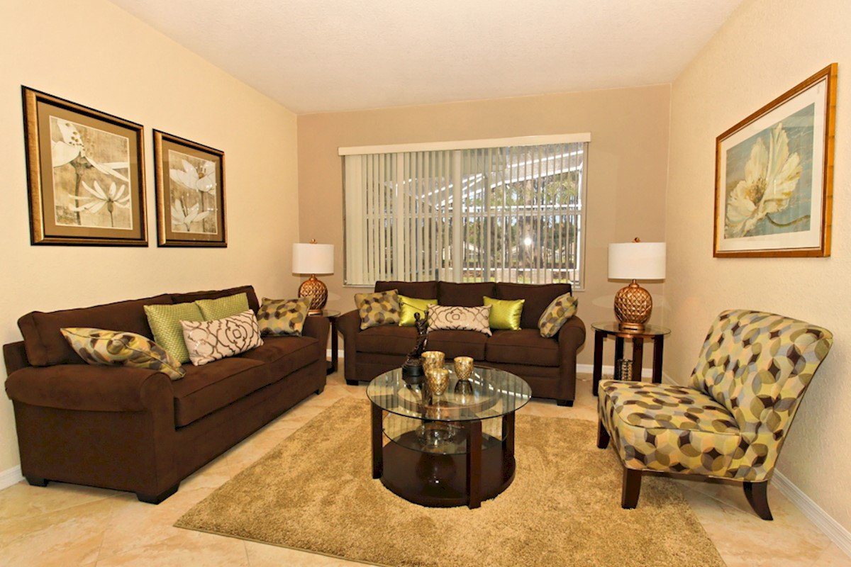 Comfortable Living Room Kitchen Luxury Highlands Reserve 5 Bed 3 Bath In Peaceful Golfing Munity
