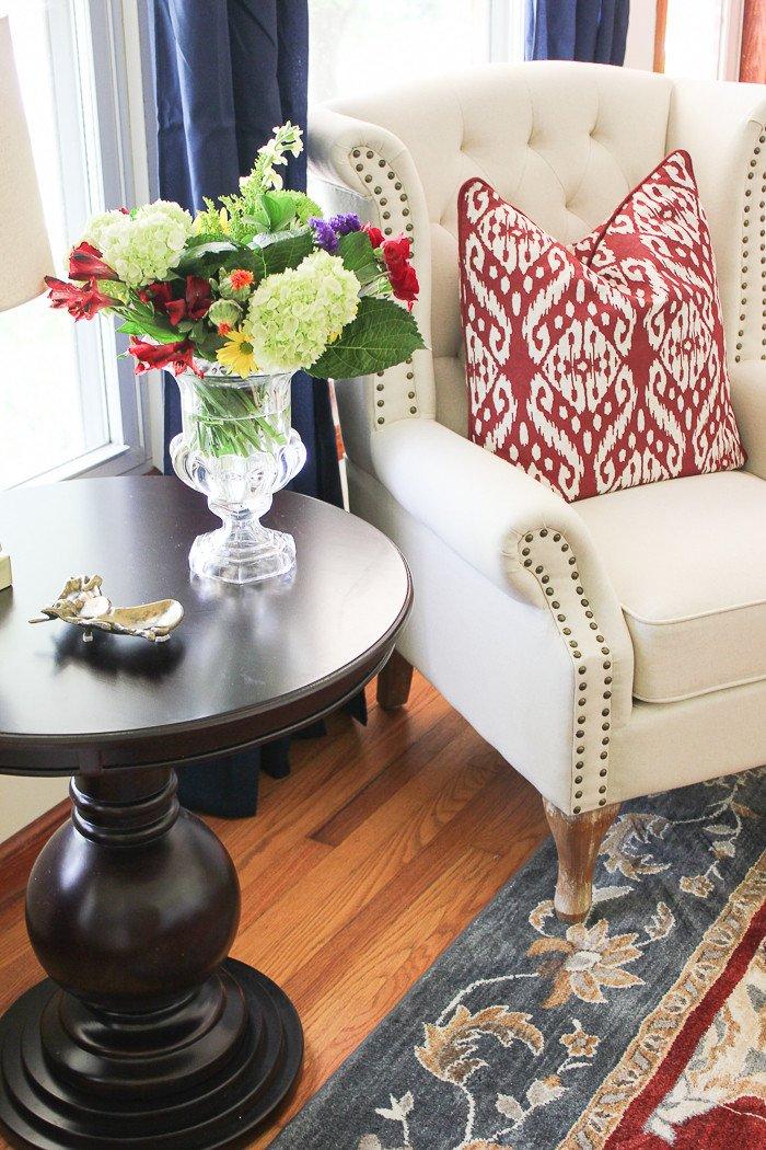Comfortable Traditional Living Room Inspirational Traditional Casual Living Room