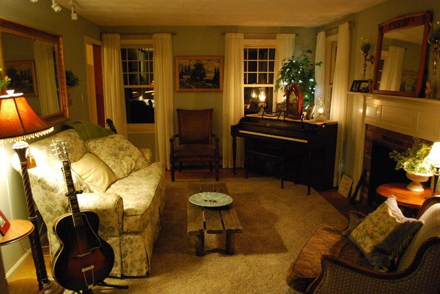 Cozy Traditional Living Room Fresh Cozy Living Room with Ivory Sheers