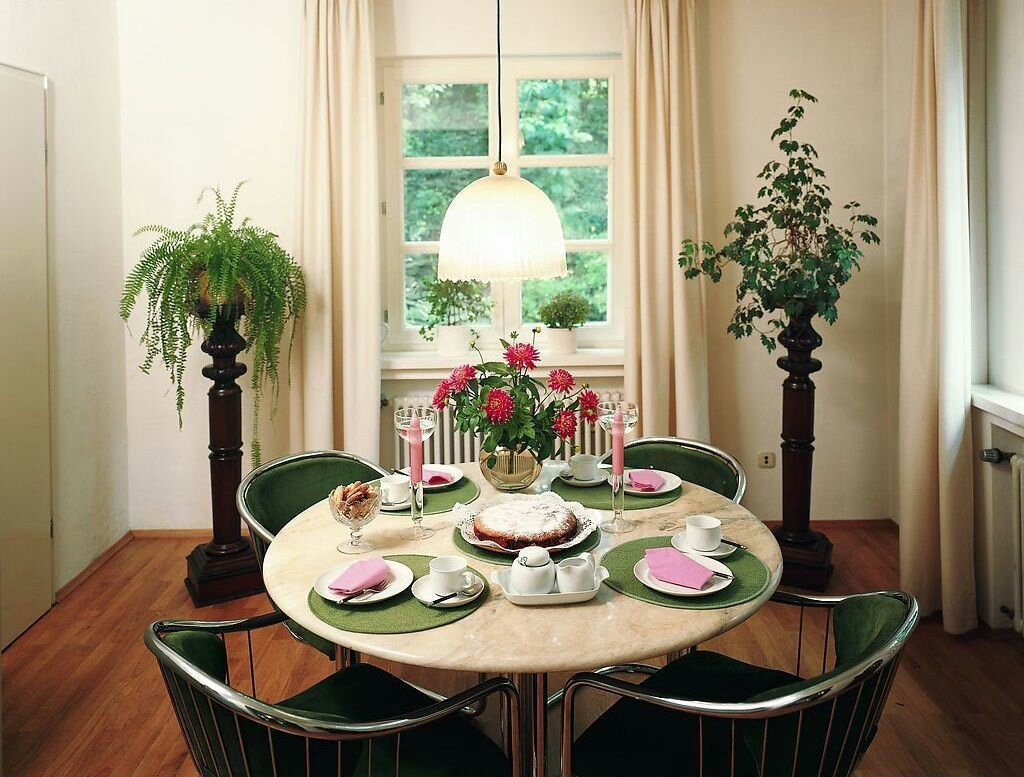 Decor for Dining Room Tables Luxury Interior Decorating for the Senior Citizen