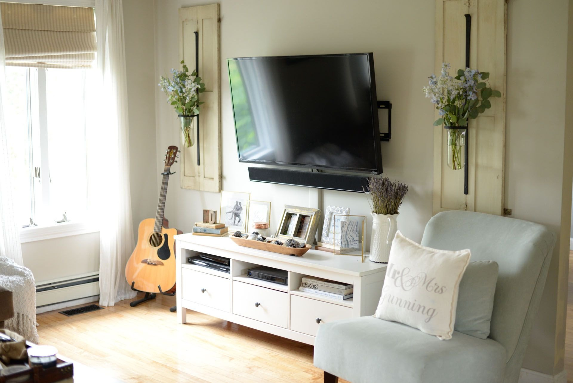 Decor Ideas for Tv Wall Lovely How to Decorate Around Your Tv Like A Pro Living Room