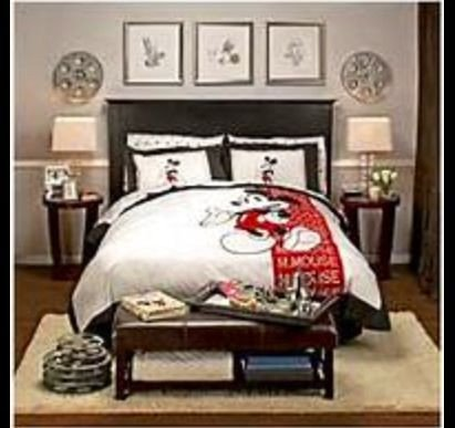Disney Room Decor for Adults New Adult and Teen Disney themed Room Includes Bedspread Pictures Side Tables Lamps and Throw
