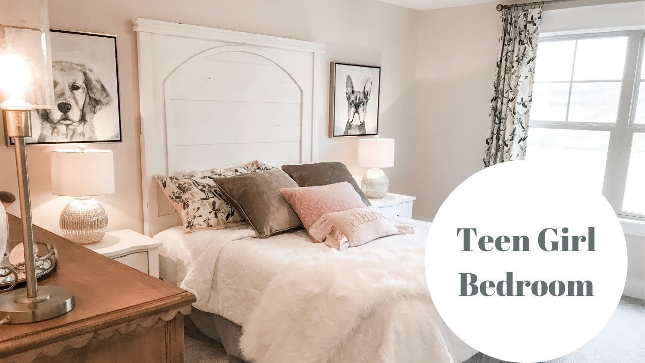 Teen Girl Bedroom DIY Wall Decor