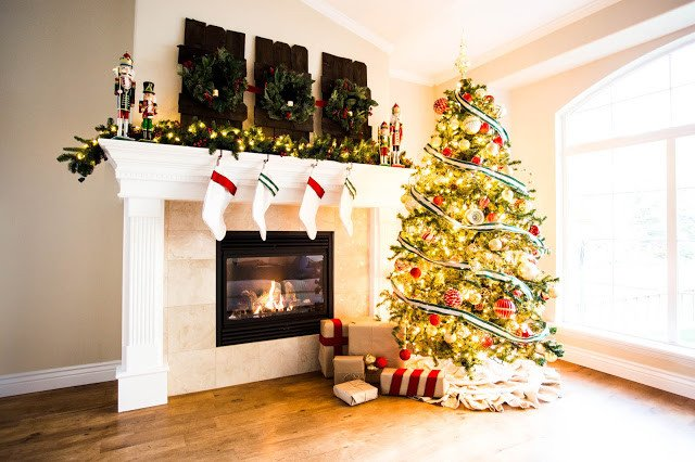 Do It Yourself Home Decor Fresh Do It Yourself Divas Decorating A Mantle for Christmas