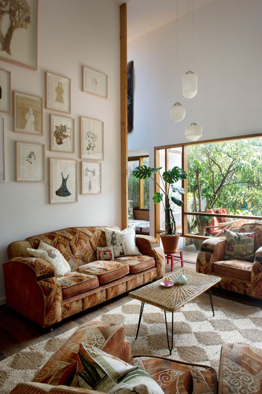 Eclectic Comfortable Living Room Best Of Eclectic Sydney House Presents Colorful and Quirky Interiors