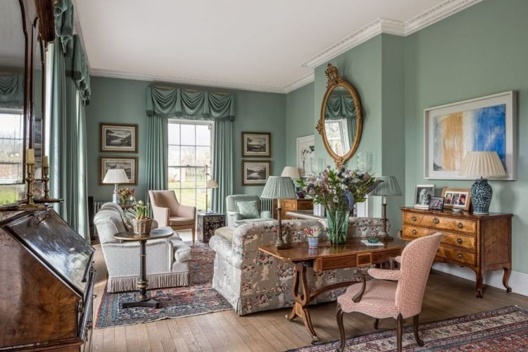 English Traditional Living Room Elegant the Key Elements to Creating A Traditional English Living Room