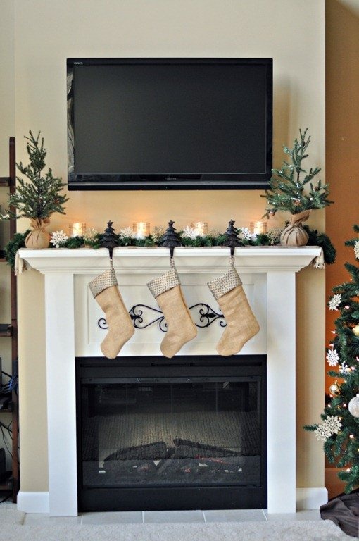 Fireplace Mantel Decor with Tv Best Of Easy Christmas Mantels