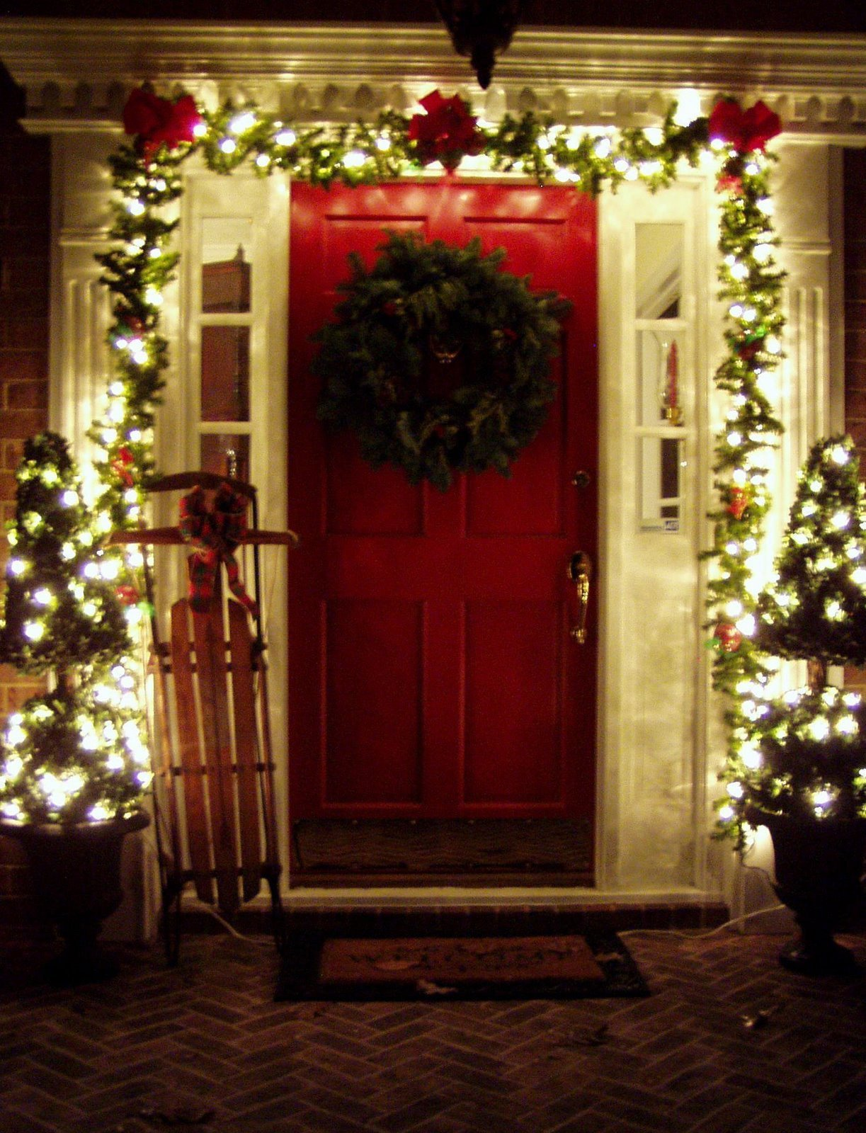 Decorating the Front Porch for Christmas 2008