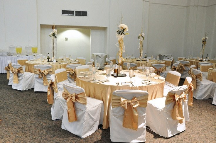 Gold and Ivory Wedding Decor New Wedding Reception Decor Gold and Ivory My Style Pinterest