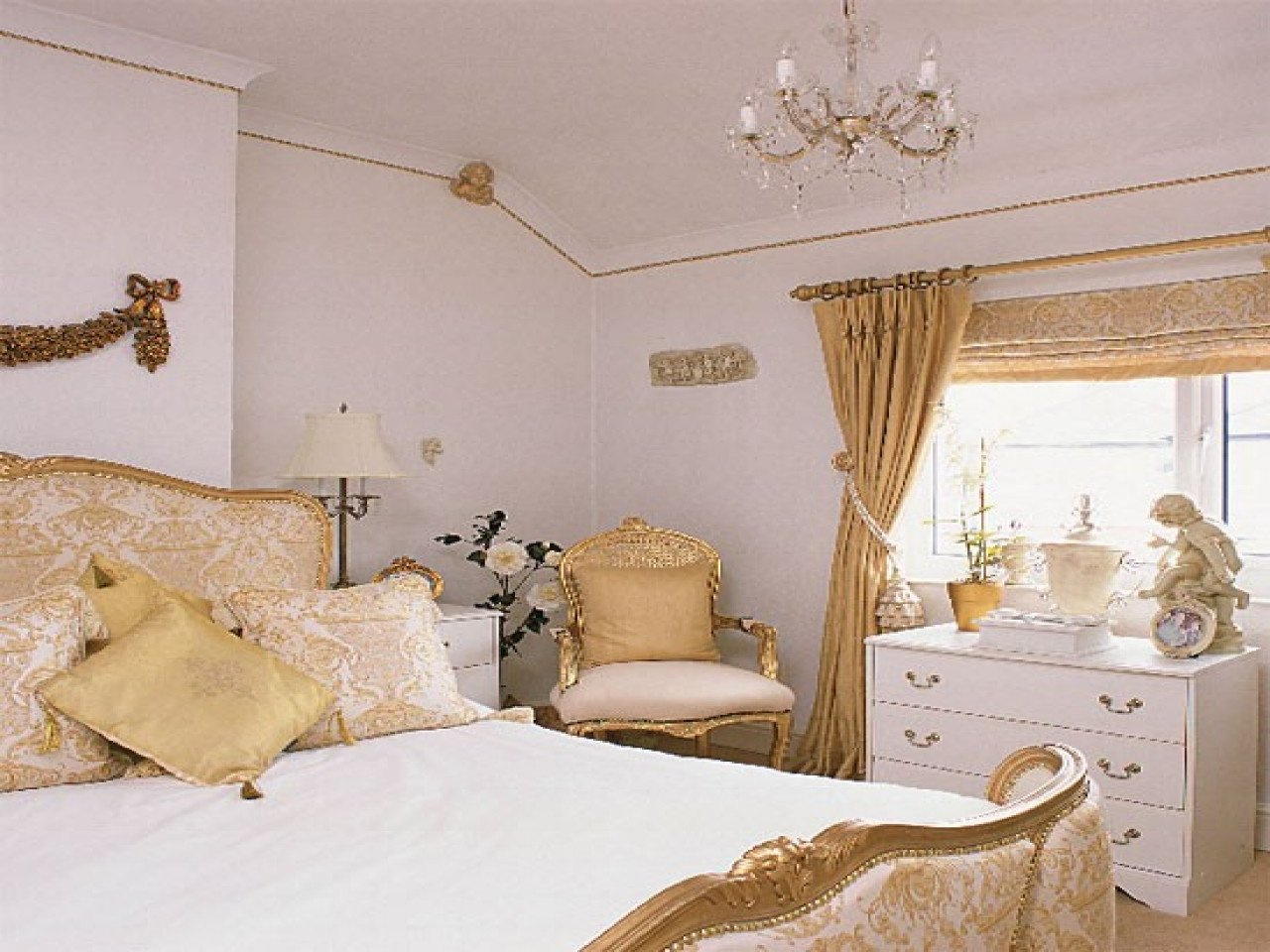 Gold and White Bedroom Decor Fresh White and Gold Bedroom Design Decorating Ideas Image Designs