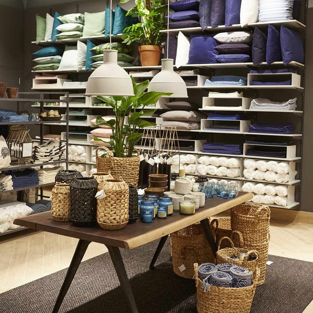 H and M Home Decor Beautiful the H&m Home Department at Its New London Store is A Dream E True