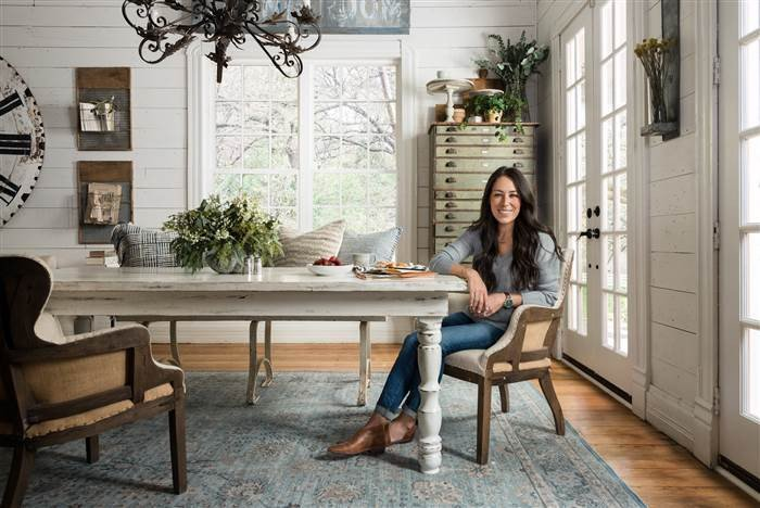 Fixer Upper s Joanna Gaines launches rug line for Loloi TODAY