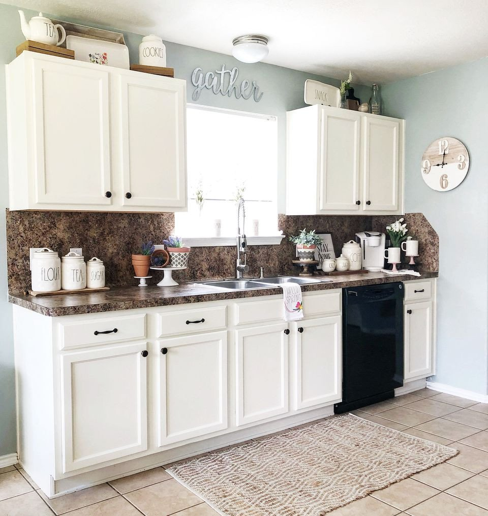 Kitchen Decor for Above Cabinets Elegant 10 Ways to Decorate Your Kitchen Cabinets