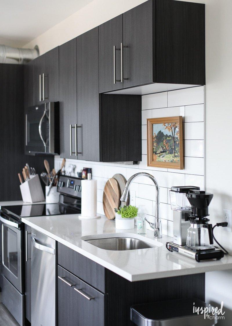 Kitchen Decor Ideas for Apartment Unique Drab to Fab Apartment Kitchen Decor