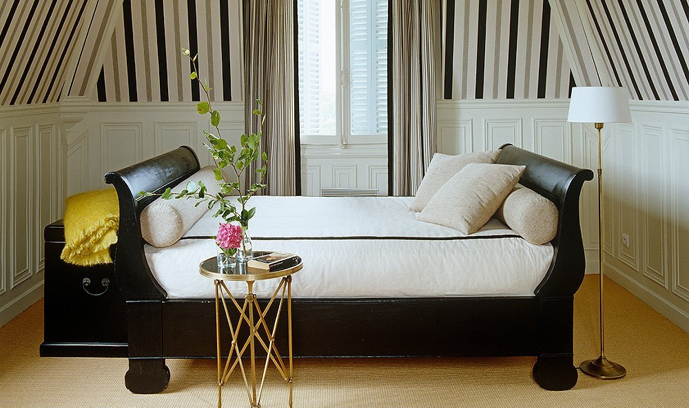 Modern Daybed Living Room Decorating Ideas Best Of Decorating with A Daybed Your Essential Guide