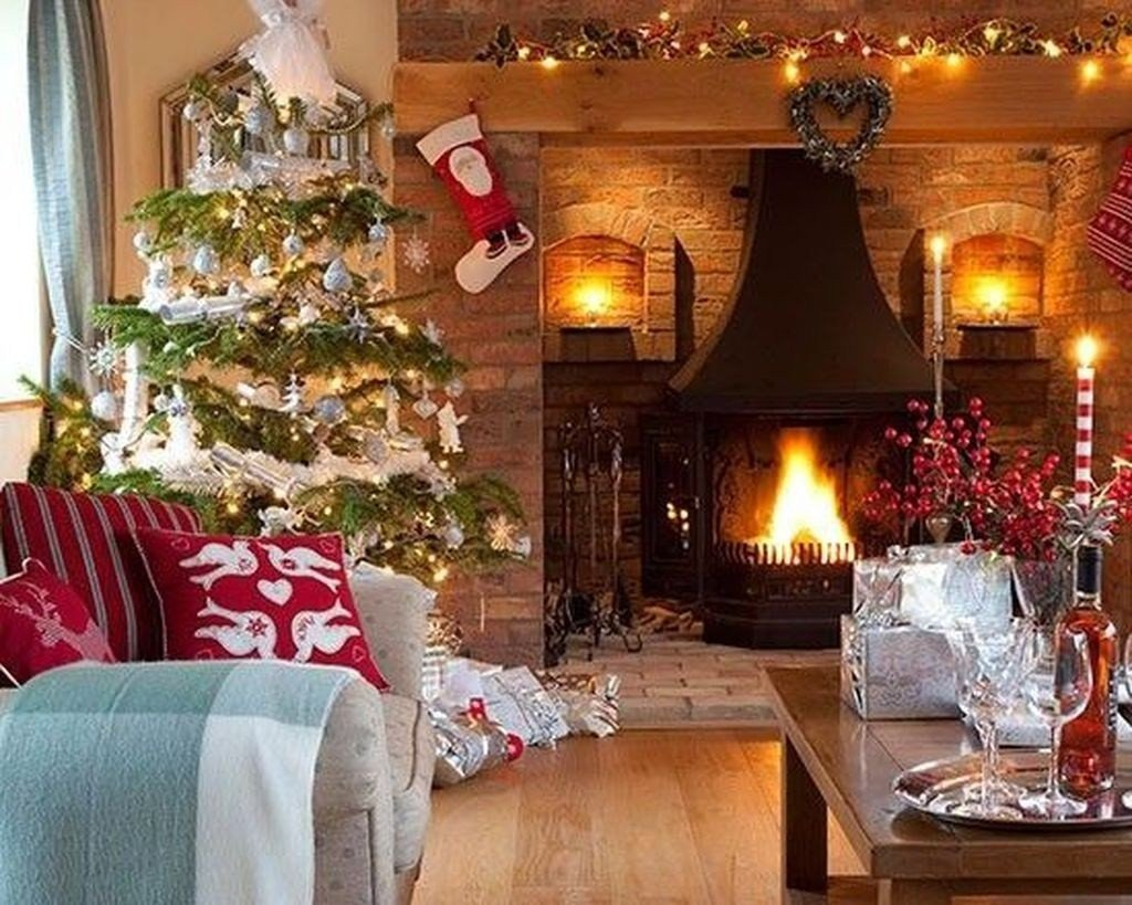Modern Living Room Decorating Ideas Christmas Awesome 50 Modern Christmas Living Room Decor Ideas Homyfeed