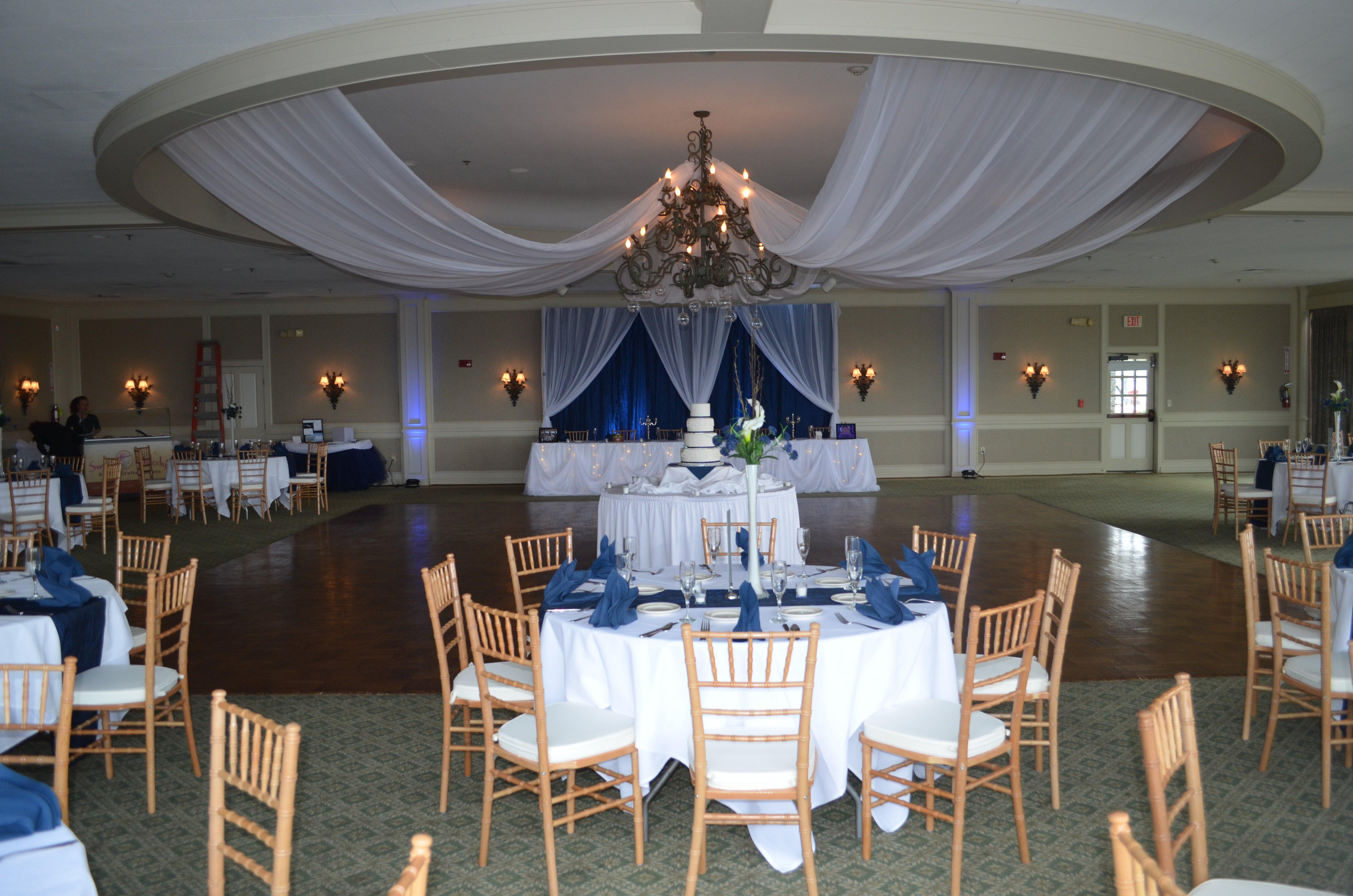 Navy Blue and White Decor Inspirational Navy Blue & White Buffalo Wedding Decor Ideas