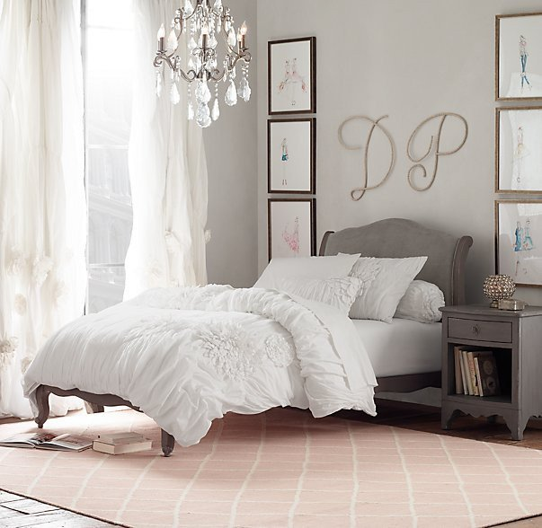 Over the Bed Wall Decor New Ideas for How to Decorate the Space Your Bed