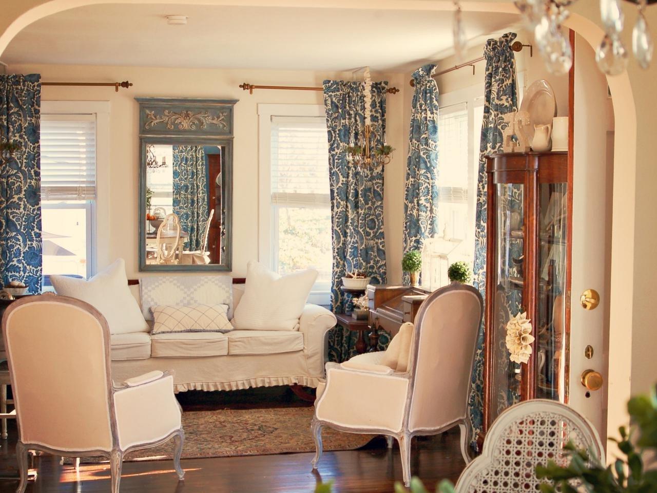 Paris Themed Living Room Decor Ideas
