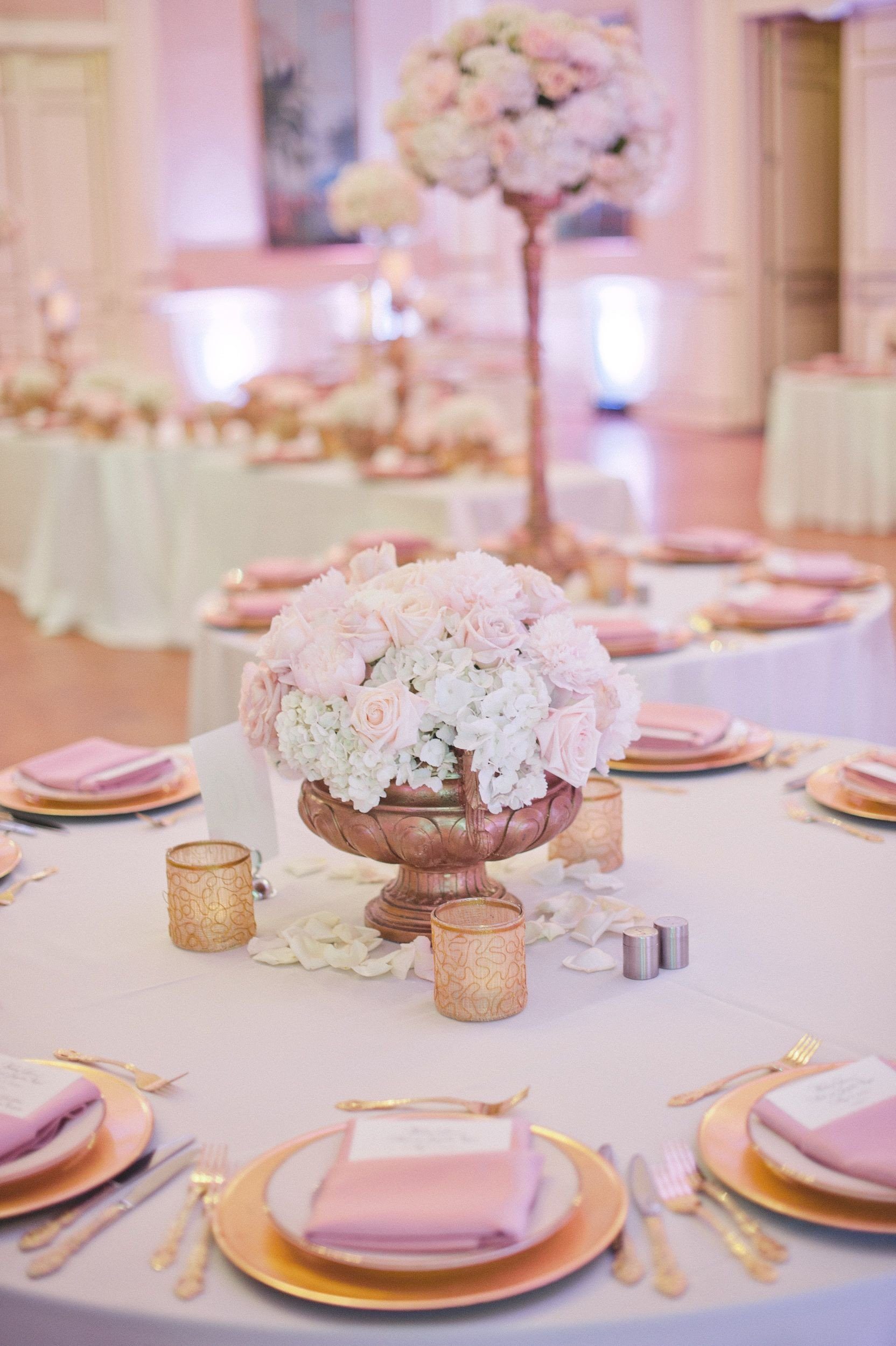 Pink and Gold Wedding Decor Awesome White Champagne and Pale Pink Wedding Flowers and Decor by Botanica Wedding Weddingflow