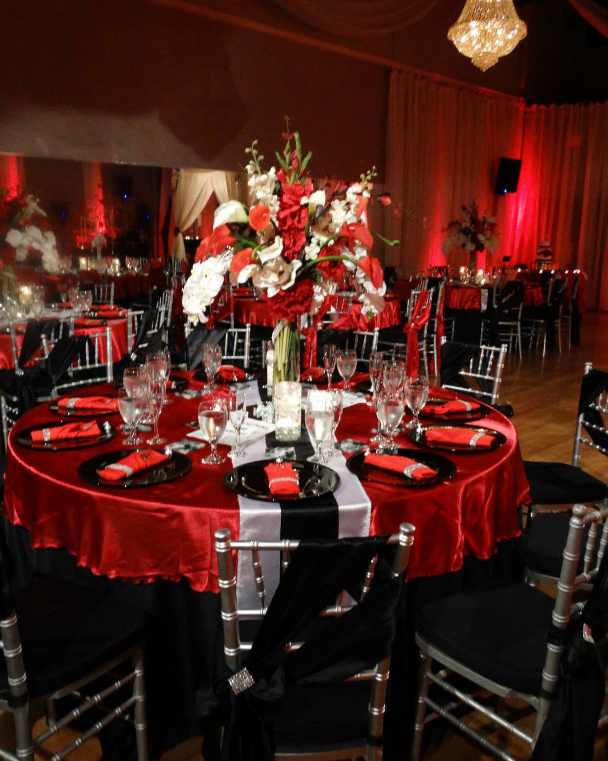 Red and Black Table Decor Inspirational De Versailles Banquet Hall